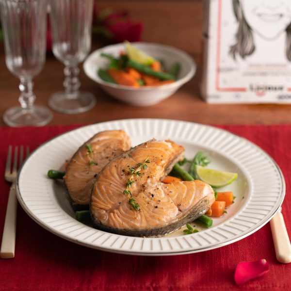 Fried salmon with lemon garlic butter