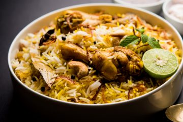 Chicken Pulao with Slice of Lime