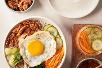 Cook a delicious Chilli Chicken Bibimbap with this easy recipe!